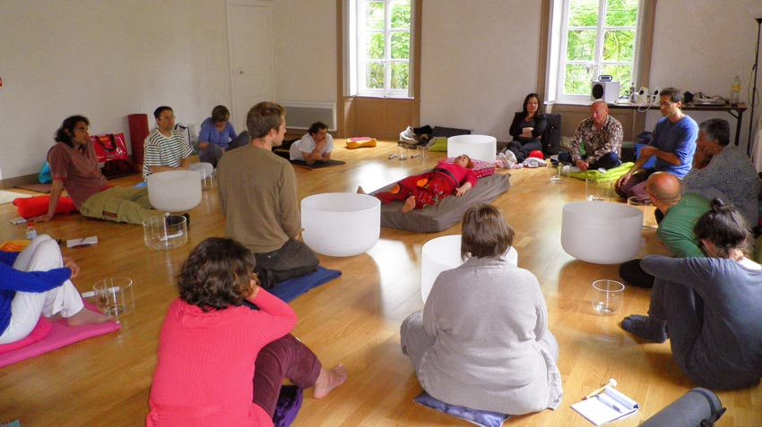 atelier de relaxation sonore en groupe